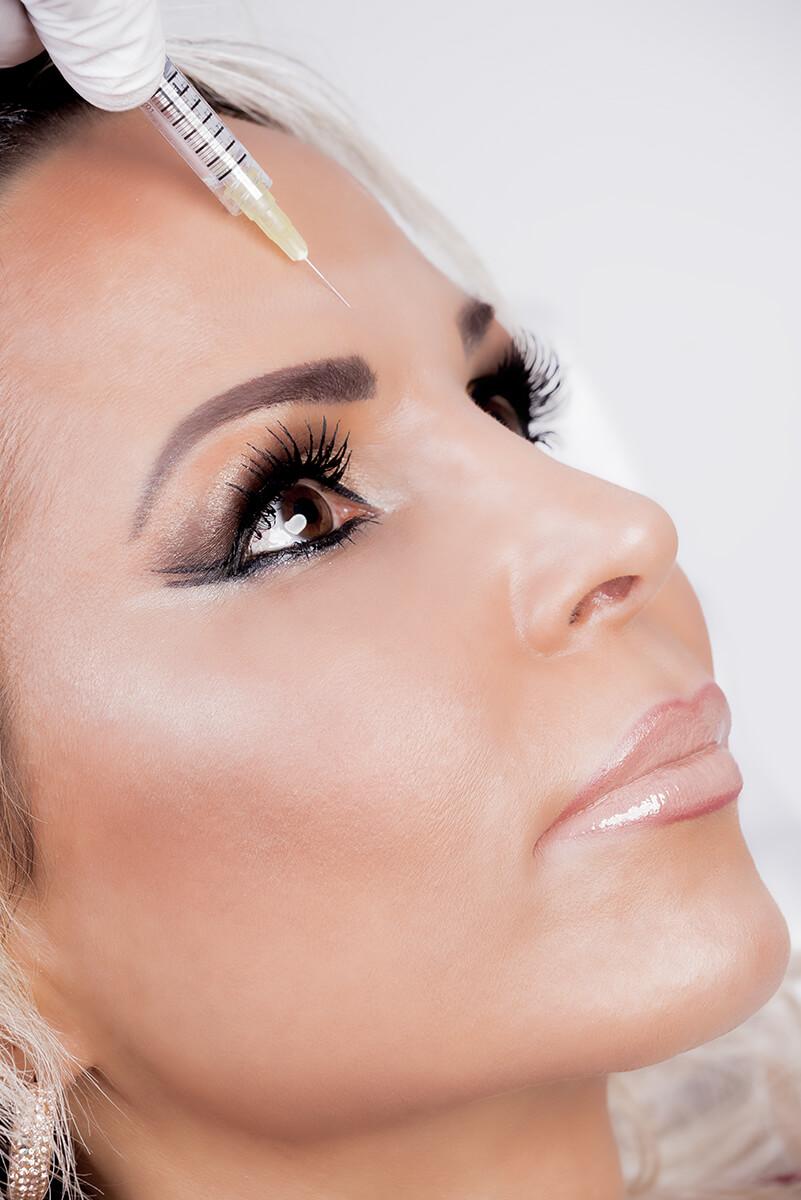 Botox Hamburg - Faltenreduktion im Bereich der Stirn, an den Augen und am Zorn - LAJOLI Praxis für Ästhetik - Leja